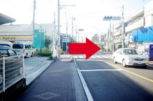 次の信号「戸田公園駅前」交差点を右折します。